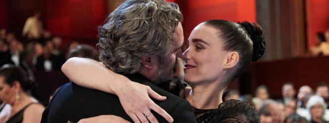 Joaquin Phoenix y Rooney Mara llamaron a su hijo River en honor al fallecido hermano del actor