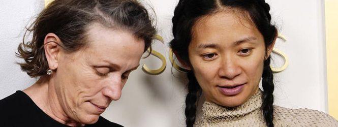 Así se conocieron Chloe Zhao y Frances McNormand: las mujeres que hicieron historia en los Oscar con 'Nomadland'