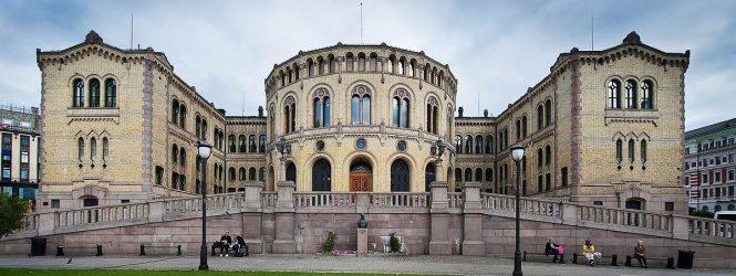Gobierno noruego obligará a informar cuándo fue retocada una foto publicada en redes sociales