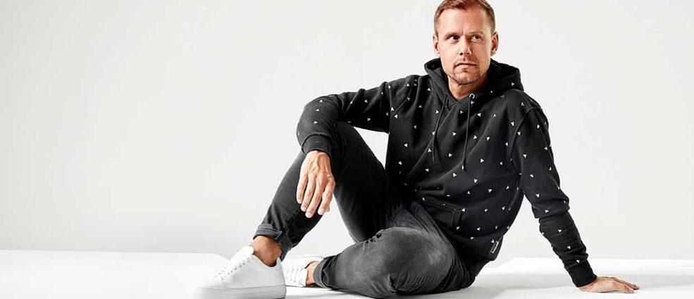 Armin van Buuren lanzó 'FOREVER'